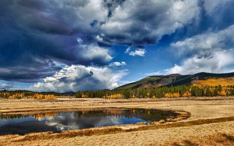 秋天湖泊风景壁纸