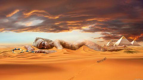 沙漠上的美女壁纸