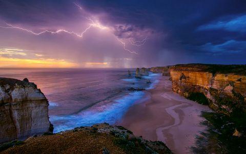 大海闪电风景壁纸