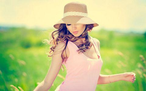 戴帽子的美女壁纸