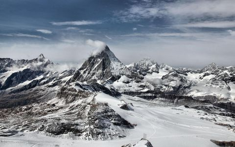 美丽雪山风景壁纸