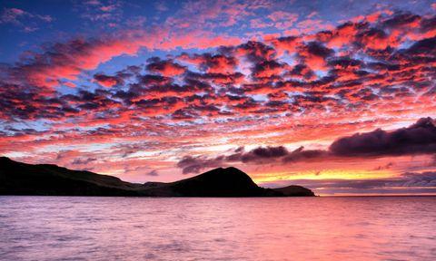 黄昏彩霞海面风景