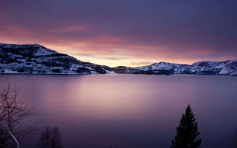 冬天湖泊风景壁纸