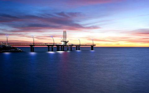 海岸灯塔风景壁纸