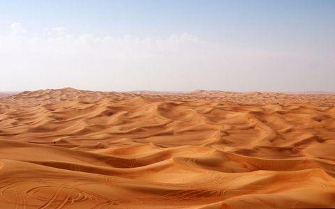 广阔的沙漠风景