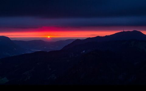 山脉夕阳风景壁纸