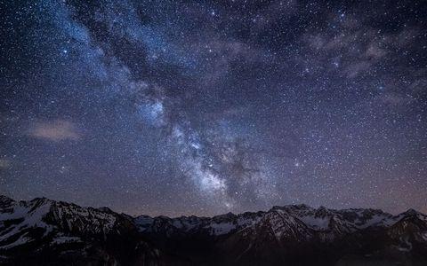 山脉星空风景壁纸