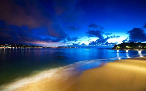 海滩夜晚风景