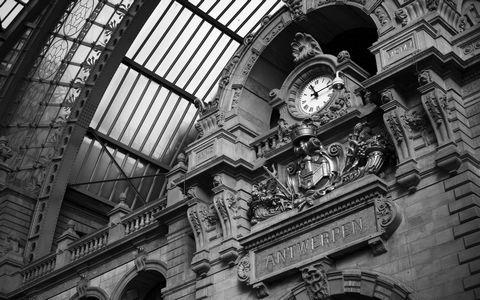 火车站时间钟表