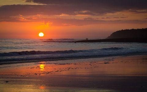 夕阳海滩风景壁纸