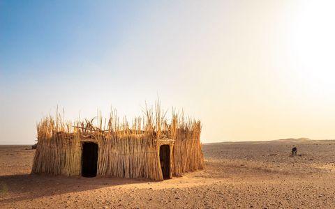 荒漠草棚风景