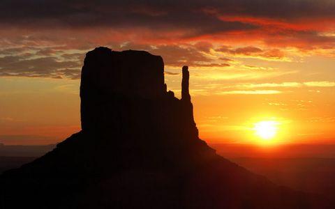 纪念碑谷夕阳风景
