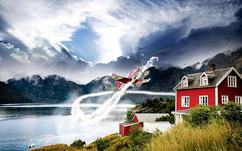 湖边的红木屋