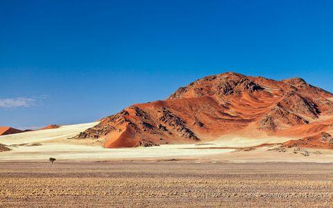 荒漠山脉风景