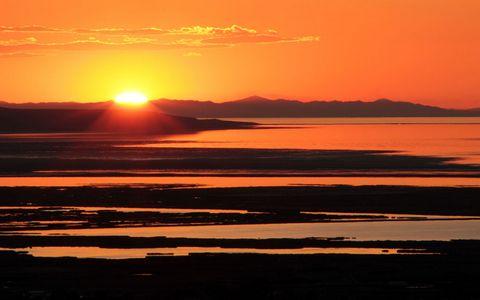 美丽黄昏夕阳风景