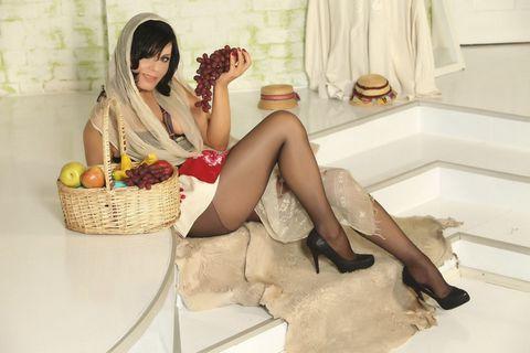 水果与性感美女