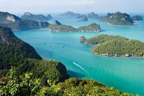泰国绿岛湖水风光