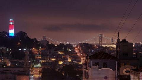 城市灯塔桥梁风景