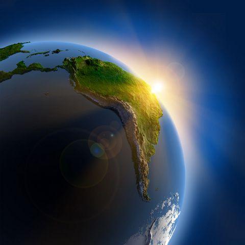 阳光下的地球高清摄影图片