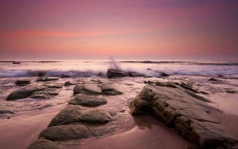 大海与彩霞图